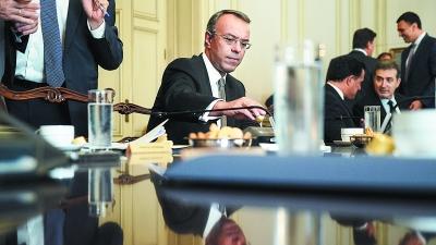 Σταϊκούρας: Στη Βουλή η μη απόδοση ενοικίων - Τι είπε για  μείωση ΕΝΦΙΑ, NPLs, επιστρεπτέα