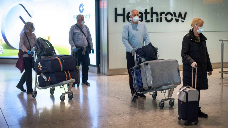 Αυστηρότερους περιορισμούς στα ταξίδια εξετάζει το Ην. Βασίλειο