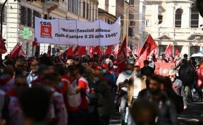 Ιταλία: Πάνω από 200.000 διαδηλωτές στην αντιφασιστική κινητοποίηση στη Ρώμη – Salvini: Ευτυχώς δεν υπάρχουν φασίστες σήμερα