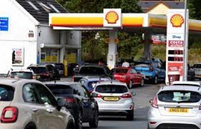 Βρετανία: Έκτακτο σχέδιο για τις ελλείψεις στα καύσιμα – «Στη μάχη» και οδηγοί του στρατού
