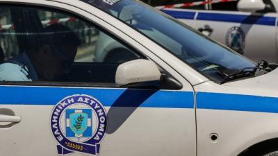 Πυροβολισμοί στο κέντρο της Αθήνας - Αυτοκίνητο επιχείρησε να εμβολίσει περιπολικό