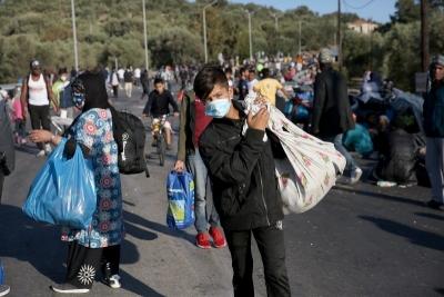 Μεταφορά αναγνωρισμένων προσφύγων που διαμένουν σε σκηνές του Ελαιώνα λόγω της χιονόπτωσης