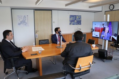 Τηλεδιάσκεψη Gentiloni - Τζιτζικώστα: Στο επίκεντρο η συνεργασία της Ευρωπαϊκής ΕΕ των Περιφερειών και της Commission