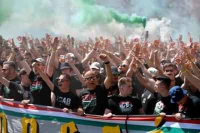 Euro 2020: Κατέκλυσαν τους δρόμους οι Ούγγροι φίλαθλοι (video)