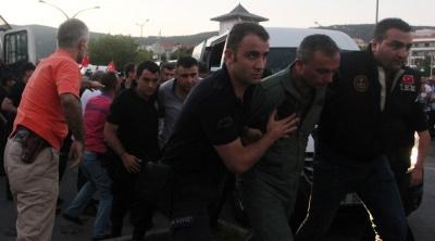 Ακόμη περισσότερες συλλήψεις Τούρκων πιλότων