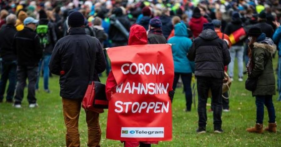 Γερμανία: Μεγάλη διαδήλωση κατά του lockdown στη Στουτγάρδη