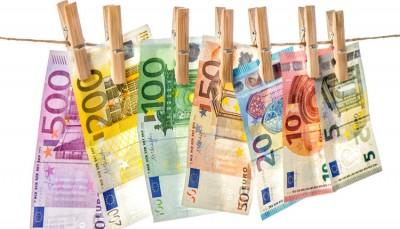 Διεθνείς τράπεζες ξέπλυναν βρώμικο χρήμα 2 τρισ. δολ. εν γνώσει τους - «Βουτιά» στις μετοχές HSBC, StanChart, Deutsche Bank - Τι απαντούν οι τράπεζες