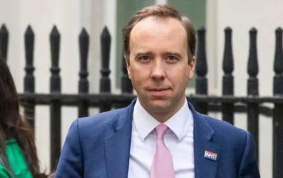 Βρετανία: Παραιτήθηκε ο υπουργός Υγείας, Matt Hancock μετά το φιλί στην υπάλληλο