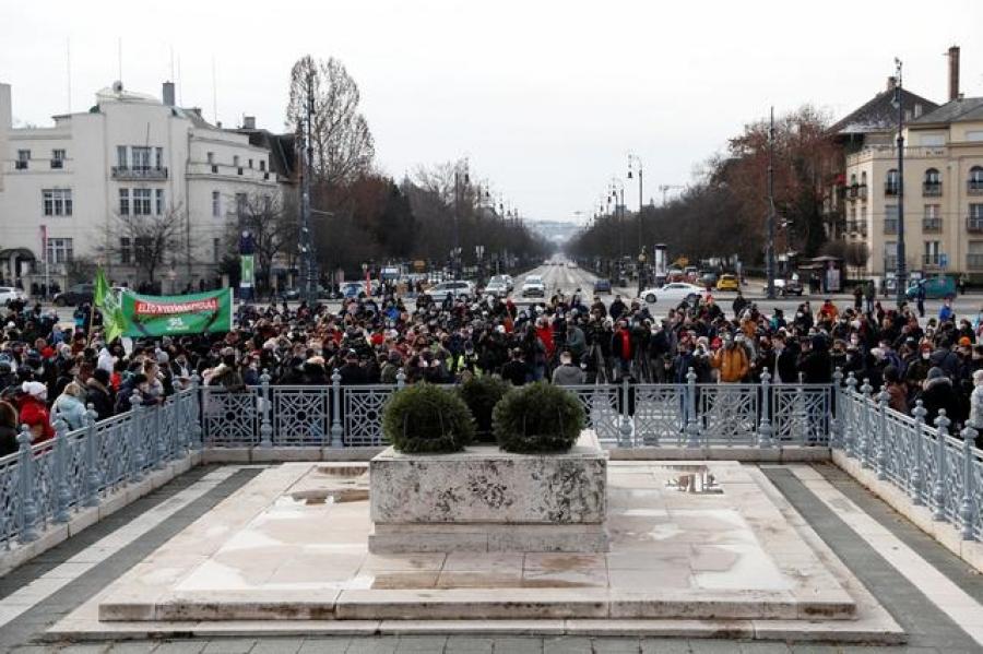 Ουγγαρία: Το κινεζικό εμβόλιο έκανε ο Orban – Διαδήλωση κατά του lockdown