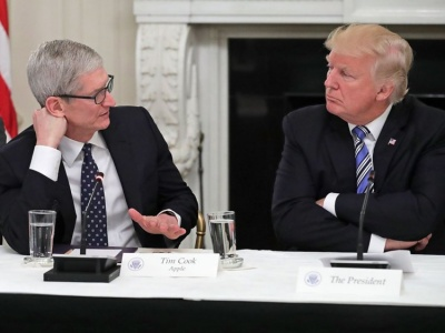 Tim Cook (CEO της Apple): Οι δασμοί δεν έχουν κανένα απολύτως νόημα - Πλήττουν περισσότερο την Apple παρά την Samsung