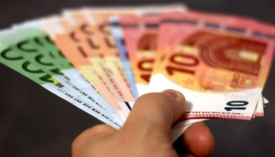 Μηνιαίο επίδομα αναδοχής από 325 έως 2.000 ευρώ - Τι προβλέπει η υπουργική απόφαση
