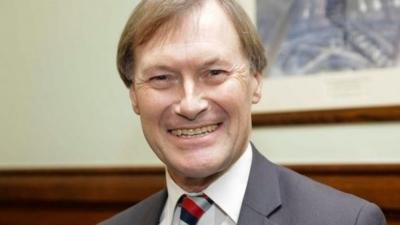 Βρετανία: Επίθεση με μαχαίρι σε βουλευτή έξω από εκκλησία