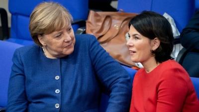 Γερμανία: Ψήφος εμπιστοσύνης από την επιχειρηματική ελίτ στην «Πράσινη» Baerbock για διάδοχο της Merkel