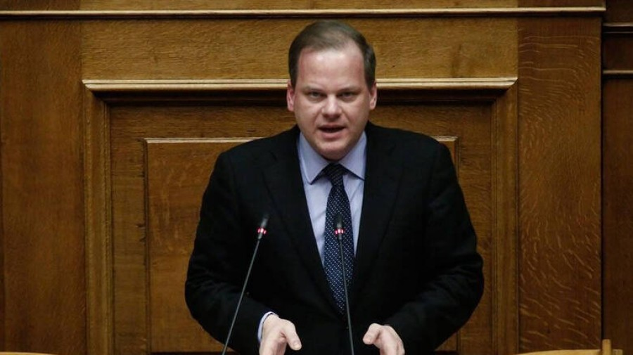 Καραμανλής (υπουργός Υποδομών και Μεταφορών): Διασφαλίζεται απολύτως η ασφάλεια των πτήσεων