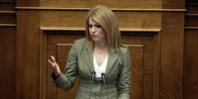 Ενόχληση Τσίπρα για τους πρωτοφανείς χαρακτηρισμούς της Τζάκρη κατά του πρωθυπουργού