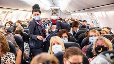 TSA ΗΠΑ: Σε υψηλό ενός έτους τα αεροπορικά ταξίδια – British Airways: Οι εμβολιασμένοι να ταξιδεύουν ελεύθερα