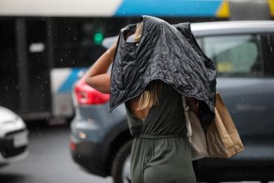 Καιρός: Τοπικές βροχές και καταιγίδες αύριο 28/09 - Πέφτει η θερμοκρασία