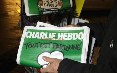 Το καυστικό σχόλιο του Charlie Hebdo για τη σύλληψη τζιχαντιστή