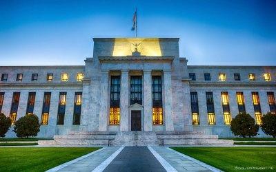 Δύο αυξήσεις των επιτοκίων από τη Fed συνεχίζουν να αναμένουν οι traders