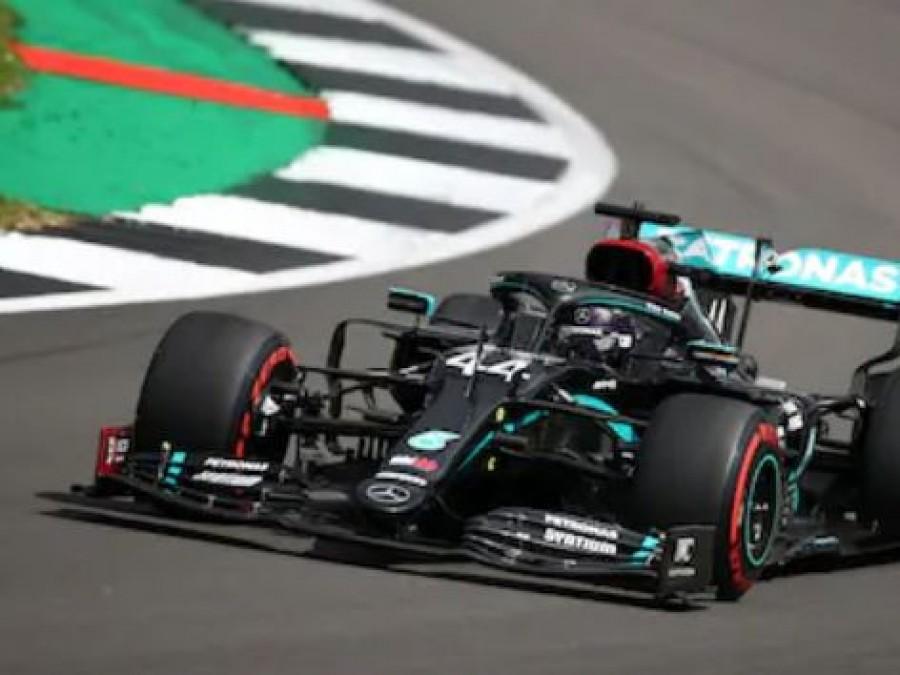 F1: Άνετη pole position για τον Lewis Hamilton στο βρετανικό Grand Prix