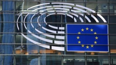 Κομισιόν: Η ΕΕ θα λάβει νωρίτερα 50 εκατ. δόσεις εμβολίου των BioNTech-Pfizer για τον κορωνοϊό
