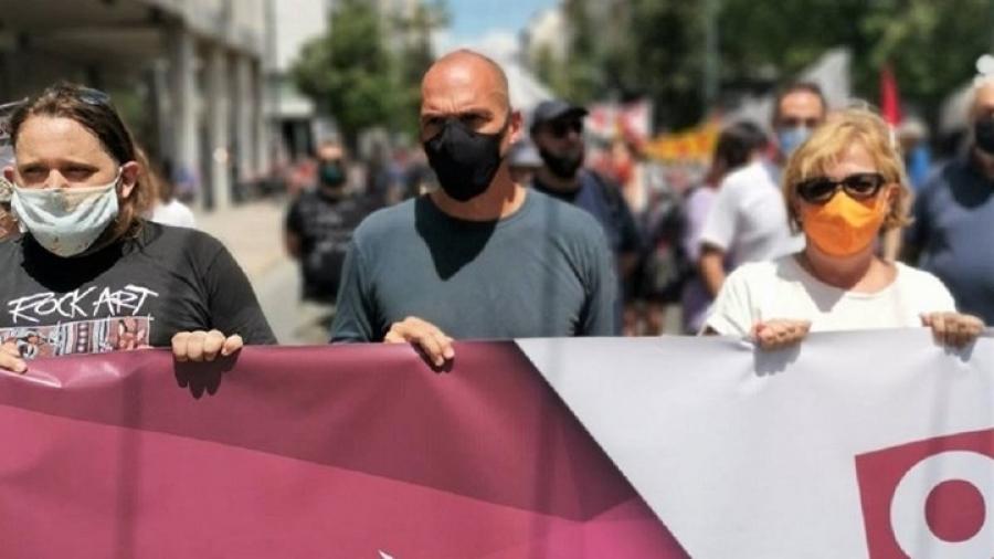 Βαρουφάκης: Να θανατώσουν οι εργαζόμενοι το νομοσχέδιο - ζόμπι του Χατζηδάκη
