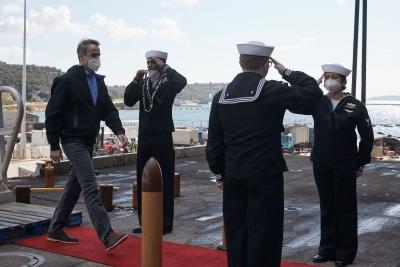 Μητσοτάκης στο αεροπλανοφόρο Eisenhower: Σε εξαιρετικά υψηλά επίπεδα η στρατιωτική συνεργασία Ελλάδας – ΗΠΑ
