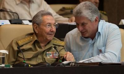 Κούβα: Ο Raul Castro παραδίδει την ηγεσία του Κόμματος στη