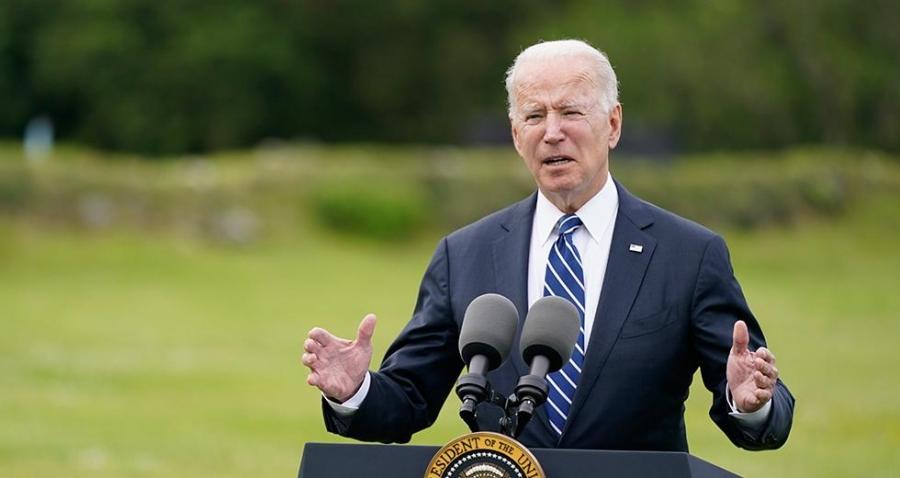Ο Biden κινδυνεύει να χάσει τον στόχο  για τους εμβολιασμούς και αρχίζει εκστρατεία