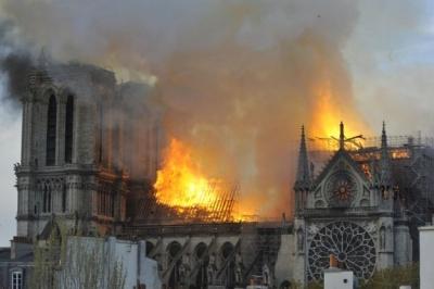 Οι τζιχαντιστές πανηγυρίζουν για την καταστροφή στην Παναγία των Παρισίων