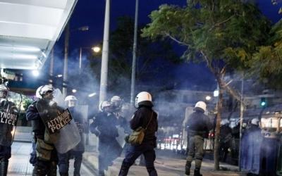 Εισαγγελική έρευνα για τη Νέα Σμύρνη - Θύελλα αντιδράσεων - Χρυσοχοΐδης: Δεν δικαιολογείται η αστυνομική βία