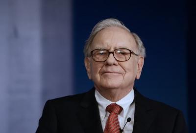 Οι 3 «κρυφές» αγορές του Warren Buffett και η 1 πώληση που αλλάζουν τα δεδομένα στη Wall Street