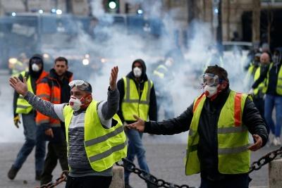 Νέα βίαια επεισόδια στις γαλλικές πόλεις, στην 14η κινητοποίηση των κίτρινων γιλέκων