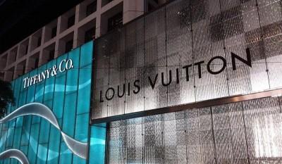 Tiffany - LVMH: Eπιχειρούν να διευθετήσουν τη διαφωνία τους για το deal των 16 δις δολαρίων