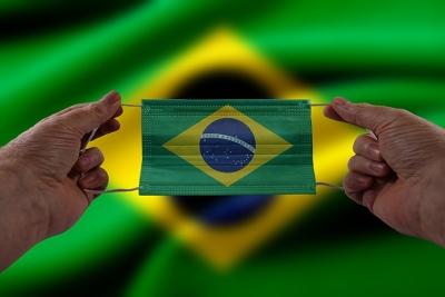 Άρχισαν οι εμβολιασμοί στη Βραζιλία – Εγκρίθηκαν τα εμβόλια των AstraZeneca, CoronaVac