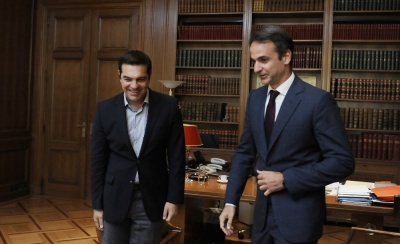 Η Ελλάδα επιστρέφει στην κανονικότητα - Οι διαφορετικές προτεραιότητες του ΣΥΡΙΖΑ και του Μητσοτάκη