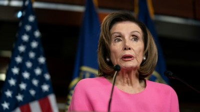Pelosi (HΠΑ): Επιταγή 1.200 δολαρίων σε κάθε Αμερικανό