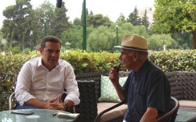 Με τον επικεφαλής του ψηφοδελτίου Επικρατείας του ΣΥΡΙΖΑ Β. Βασιλικό συναντήθηκε ο Τσίπρας