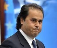 Έρευνα του ΣΔΟΕ για ύποπτες καταθέσεις 5,4 εκ. του Στ. Παπασταύρου - Καταγγελίες για «κλείσιμο» της υπόθεσης