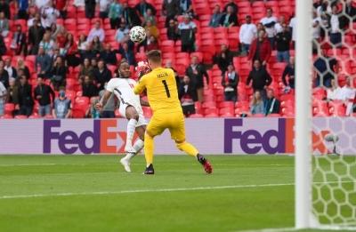 Τσεχία – Αγγλία 0-1: Ο Στέρλινγκ ανοίγει το σκορ για τα «Λιοντάρια» (video)