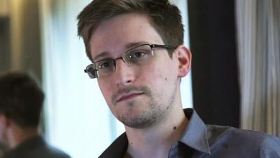 Snowden (πρώην υπάλληλος της CIA): Ζητά ρωσική υπηκοότητα - Καταζητείται από τις ΗΠΑ για κατασκοπεία