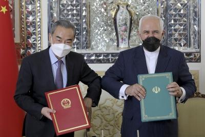 Τι σημαίνει η συμφωνία Κίνας και Ιράν για 400 δισ. με αντάλλαγμα πετρέλαιο για 25 χρόνια; - Προτείνουν διάδρομο αντι-Suez