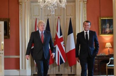 Πιέσεις Macron - ΕΕ στον Johnson για τήρηση της συμφωνίας του Brexit