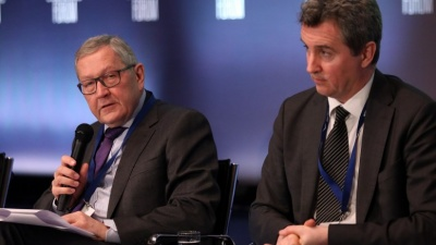 Regling, Costello επιβεβαιώνουν την ισχυρή εποπτεία της Ελλάδας και μετά τη λήξη των Μνημονίων – Ελάφρυνση χρέους συνεχίζει να ζητά το ΔΝΤ