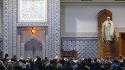 Γαλλία: Έρευνες και λουκέτο σε 76 τζαμιά λόγω υποψιών για προαγωγή του ισλαμικού ριζοσπαστισμού