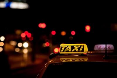Η απίστευτη απάτη με τα POS που επινόησε οδηγός ταξί για να κλέβει ηλικιωμένους - Λεία ύψους 15.000 ευρώ