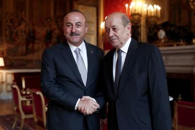 Daily Sabah: Τι προσδοκά η Τουρκία με την επίσκεψη Cavusoglu στη Γαλλία