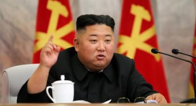 Ζει και βασιλεύει o Kim παρά τις φήμες ότι είναι σε κώμα - Συμμετείχε σε συνεδρίαση για τον COVID