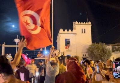 Χάος στην Τυνησία - Ο στρατός στο πρωθυπουργικό μέγαρο - «Eισβολή» στο Al Jazeera
