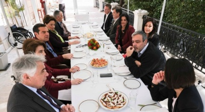 Στο Μαξίμου οι νέοι υποψήφιοι ευρωβουλευτές του ΣΥΡΙΖΑ – Τσίπρας: Όλοι έτοιμοι για τη μάχη